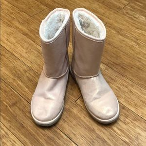 Girls pink faux fur lined boots